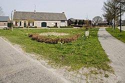 Driehoekig plein met drinkkuil en langgevelboerderij, bij Schadewijk - Eersel - 20528459 - RCE.jpg
