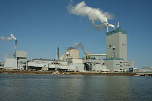 Paper and pulp industry in Dryden, Ontario - The Dryden Paper Mill