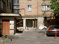 Dvůr domu poblíž ulice Tarasa Ševčenka.jpg