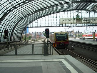 S7 (Berlin) - Image: Eastbound S7Haupt Bhf