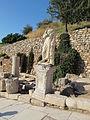Efeso, via dei cureti, statua di togato 01.JPG