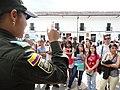 El lenguaje de señas para los turistas y propios en la Semana Santa (13913236851).jpg