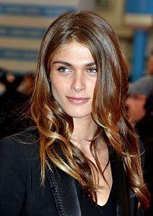Elisa Sednaoui - eine lecker, schöner, sexy,  Berühmtheit aus Frankreich, Ägypten, Italien,  im Jahr 2020