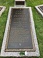 Elvis burial place.jpg