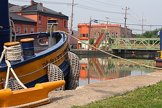 Albion (village), New York - Tugboat and lift bridge on the Erie Canal in Albion