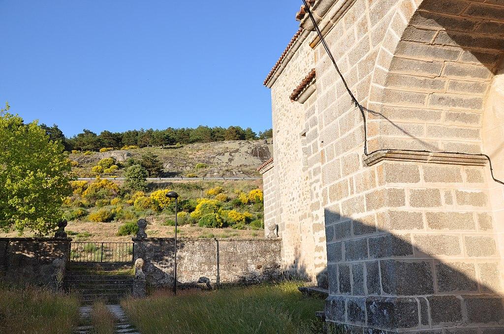 Ermita de las Fuentes-muro norte.jpg