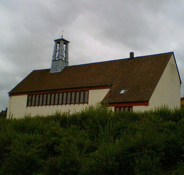 File:Eschershausen katholische Kirche.jpg