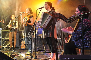 "The Henry Girls - The Henry Girls performing at the festival ""Folk am Neckar"" 2013"