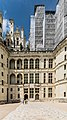 Facade of the Chambord Castle 03.jpg