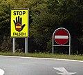 Falschfahrer Schilder.jpg