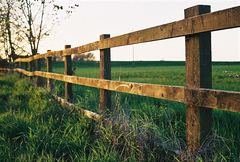 File Farm Fence In Watlington Jpg Wikimedia Commons