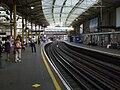 Farringdon station Circle look anticlockwise June 09.JPG