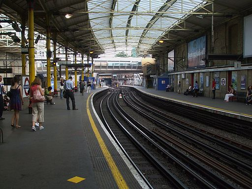 Farringdon station Circle look anticlockwise June 09