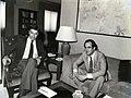Felipe González recibe al presidente de la Junta de Castilla-La Mancha (1983).jpg
