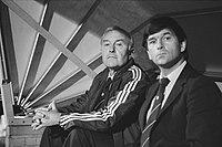 Feyenoord-trainer Jezek (links) en hulptrainer Westerhof tijdens de wedstrijd af, Bestanddeelnr 931-6796.jpg