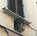 Finestrella per bambini via del Moro Firenze (1).jpg