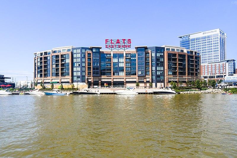 File:Flats East Bank (36034323645).jpg