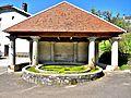 Fontaine-lavoir, au centre du village.d'Amagney.jpg