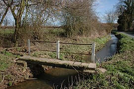Footbridge, Monkland Common - geograph.org.uk - 367172.jpg