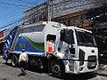 Ford Cargo 1723 2014 (15958926191).jpg
