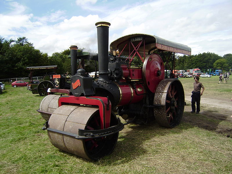 File:Fowler Steam roller sn 15981 of 1923.JPG