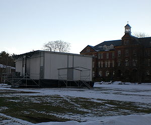 "New Hampshire primary - Saint Anselm College Quad with the ""Fox-Box"", from which the Fox News network reported live during the 2004 and 2008 New Hampshire primary"