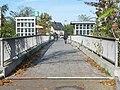 Früherer Zustand ohne Verkehrszeichen, Weg über den S-Bahnhof, Südseite Brücke - panoramio.jpg