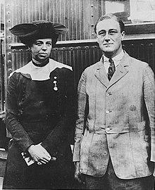 220px-Franklin_D_Roosevelt_and_Eleanor_Roosevelt_1920
