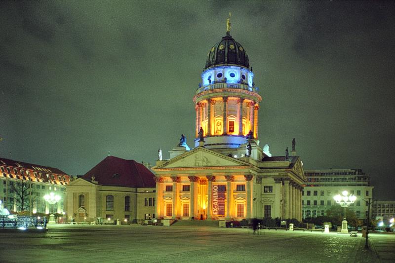 File:Französischer Dom Berlin - ex-animo 1999 di Götz Lemberg.png