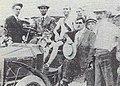 Fred Lorz en voiture, lors du marathon des JO de 1904.jpg