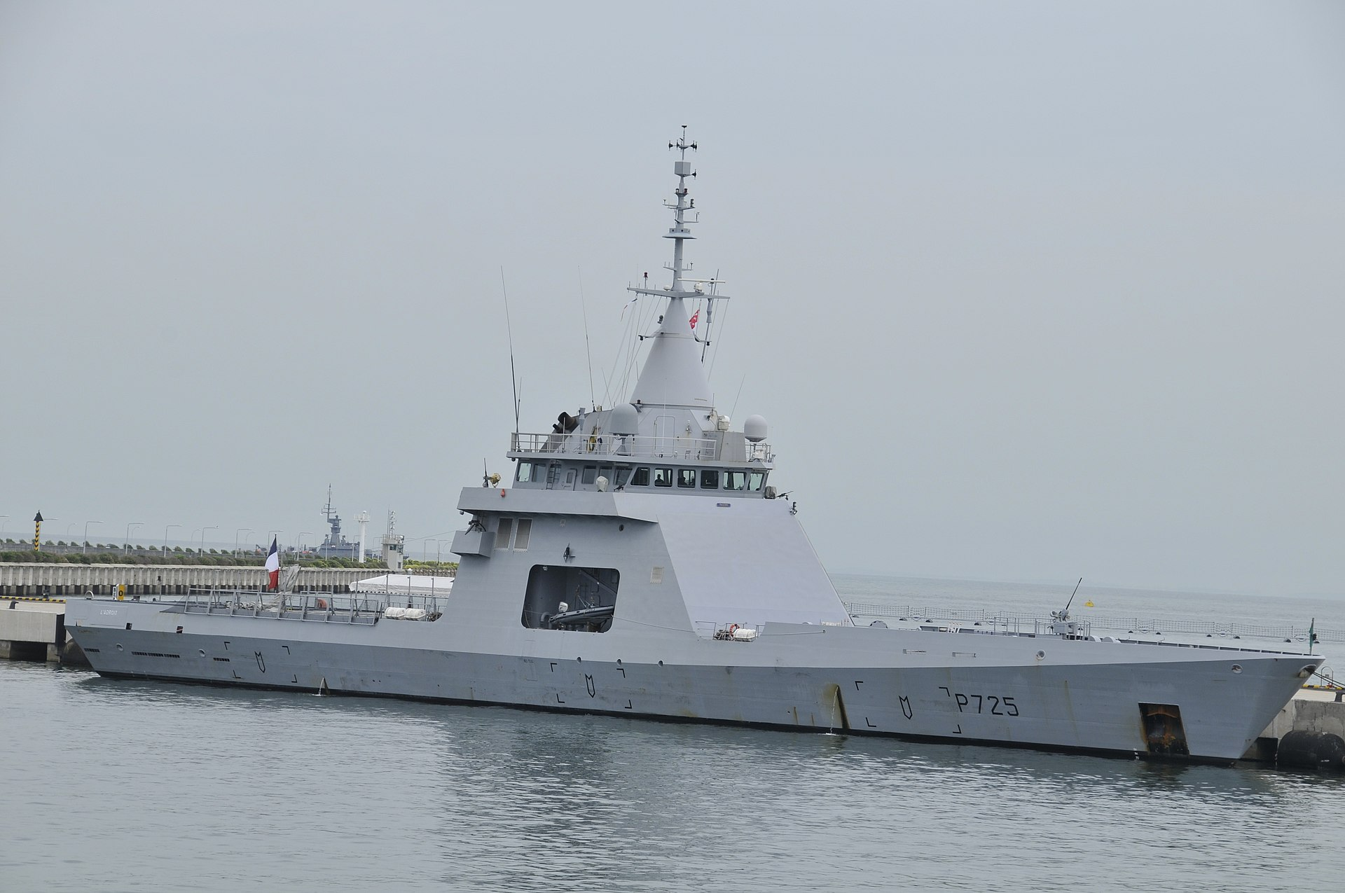 1920px-French_Navy_Offshore_Patrol_Ship_