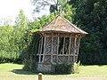 Freneuse - salon de jardin.jpg