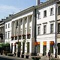 Front pałacu Hołowczyca(centralne).jpg