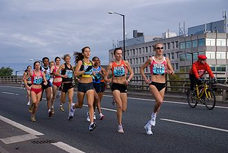 Great North Run - Paula Radcliffe and Kara Goucher heading the pack in the 2007 race