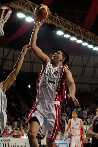 Gabriel Fernández (basketball) - Fernández with Pallacanestro Varese .