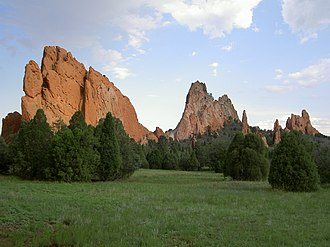 Fin (geology) - Image: Garden of the Gods 01