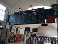 Gare de Versailles-Chantiers (78) - Ancien tableau d'affichage.jpg