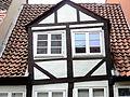 Gerade Fenster in schiefem Haus (Braunschweig).jpg