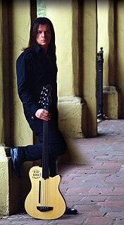 Chuck Wright American guitarist