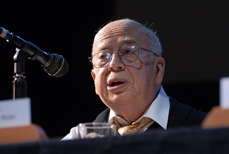 El poeta chileno Gonzalo Rojas, Premio Nacional de Literatura.