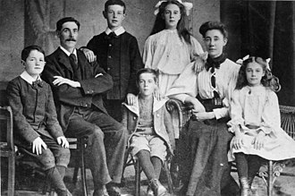 The Unknown Child - The Goodwin family. From left to right: William, Frederick, Charles, Lillian, Augusta, Jessie. At the centre is Harold. Sidney is not present. All of the Goodwins perished in the sinking.