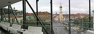 Innere Stadt (Graz) - View of world heritage site from the Kunsthaus: the Schloßberg on the left, the Old Town with the Franziskanerkirche on the right.