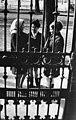 Három lány beszélget az utcán, 1965 Budapest. Fortepan 74200.jpg