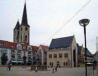 Halberstadt Rathaus Roland Martinikirche.jpg