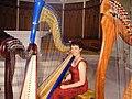 Harpiste aux 3 harpes.jpg