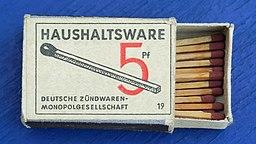 Haushaltsware.Zuendhoelzer.5.Pf.P1310052