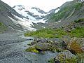 Heading up Byron Glacier valley (6480087747).jpg