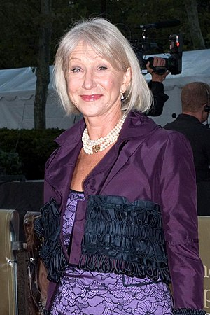 Helen Mirren - Mirren at the Metropolitan Opera opening in September 2008