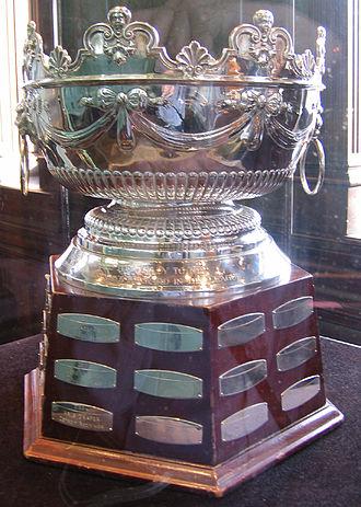 Frank J. Selke Trophy - Image: Hhof selke