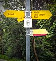 Hiking sign Berneck Papiri.jpg